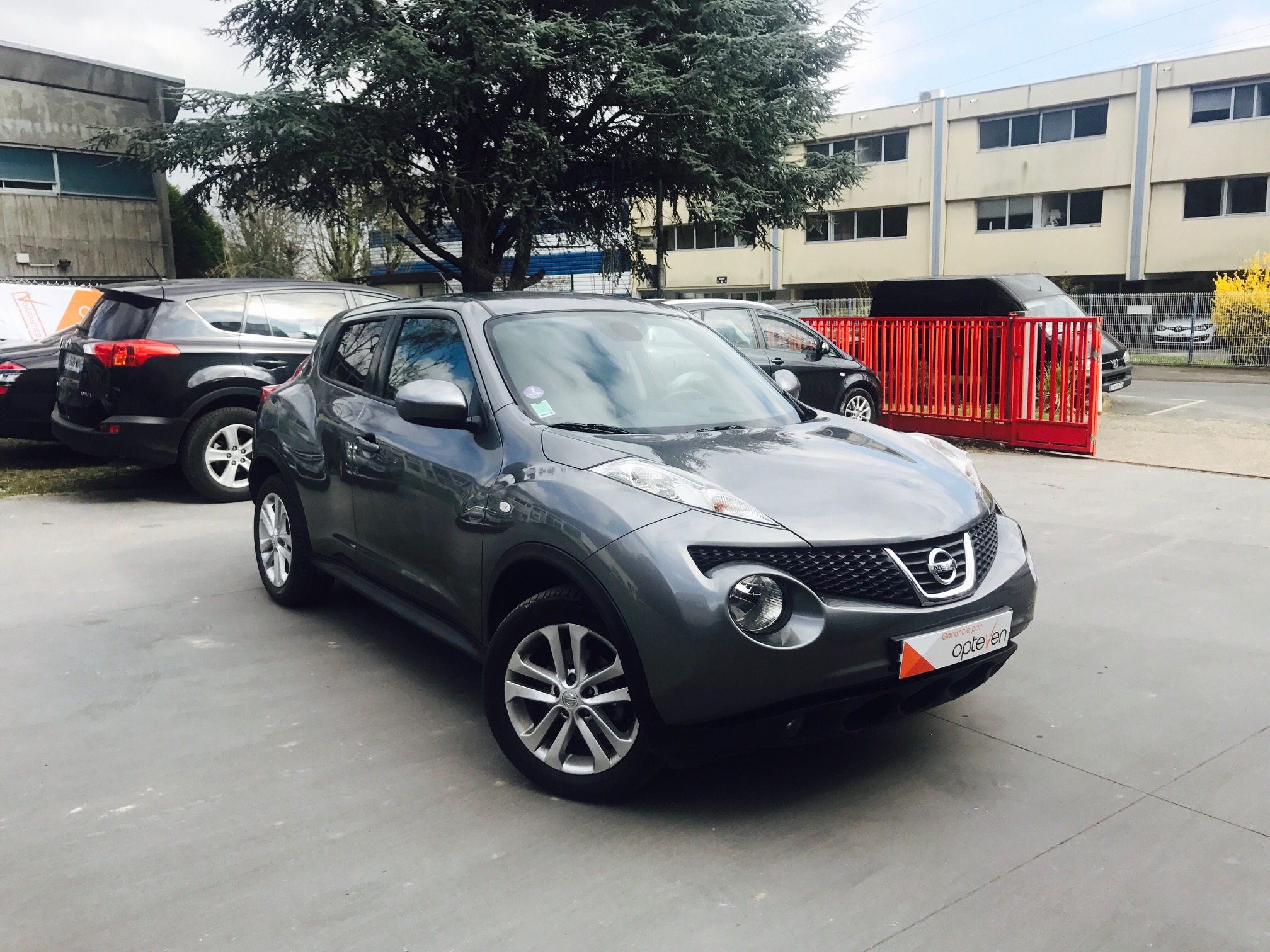 voiture nissan juke 117 tekna cvt occasion essence 2013 48900 km 13990 neuilly. Black Bedroom Furniture Sets. Home Design Ideas