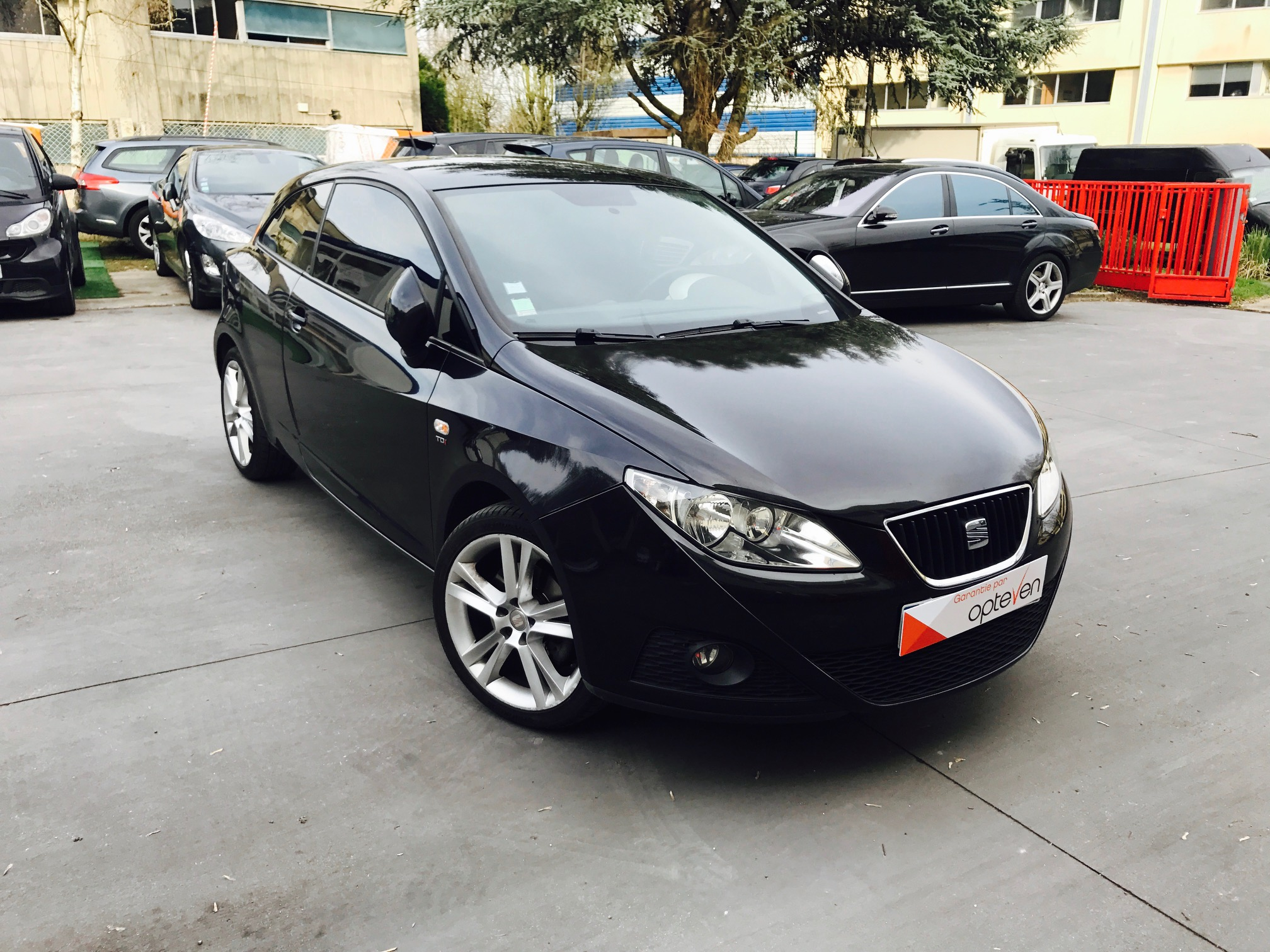 voiture seat ibiza sc 1 9 tdi 105 fap sport occasion diesel 2009 86800 km 7490. Black Bedroom Furniture Sets. Home Design Ideas