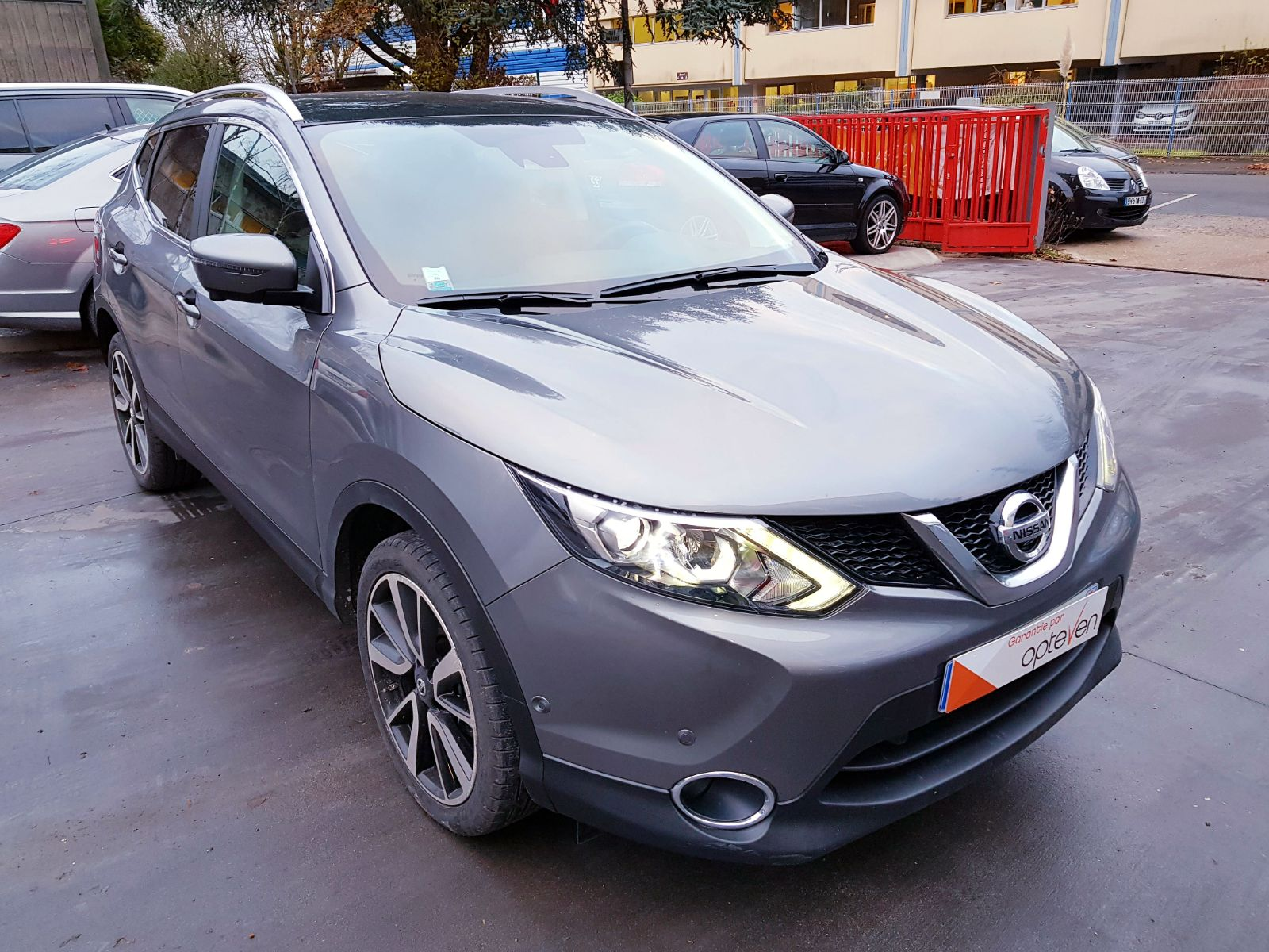 voiture nissan qashqai 1 2 dig t 115 stop start tekna xtronic a occasion essence 2015 5300. Black Bedroom Furniture Sets. Home Design Ideas
